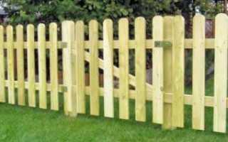 Забор из деревянного штакетника: фото, цены, сборка своими руками